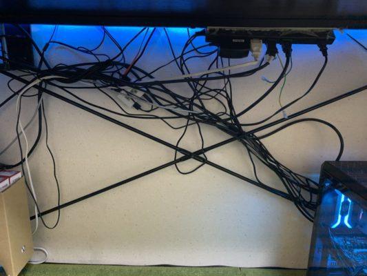 PCデスクケーブル