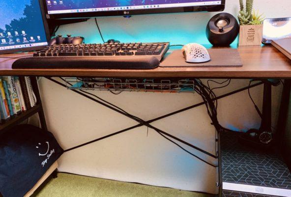 パソコンデスクおすすめ配線隠し